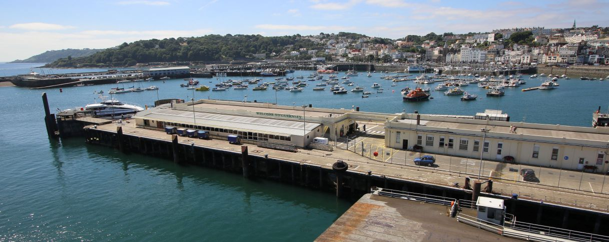 Guernsey-harbour-terminal