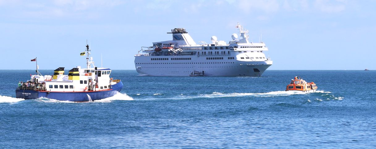 mv-voyager-cruise-ship-guernsey